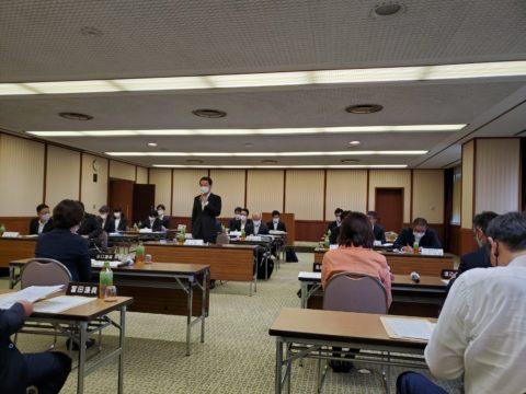 愛知県の教員組合の皆様と懇談会です。