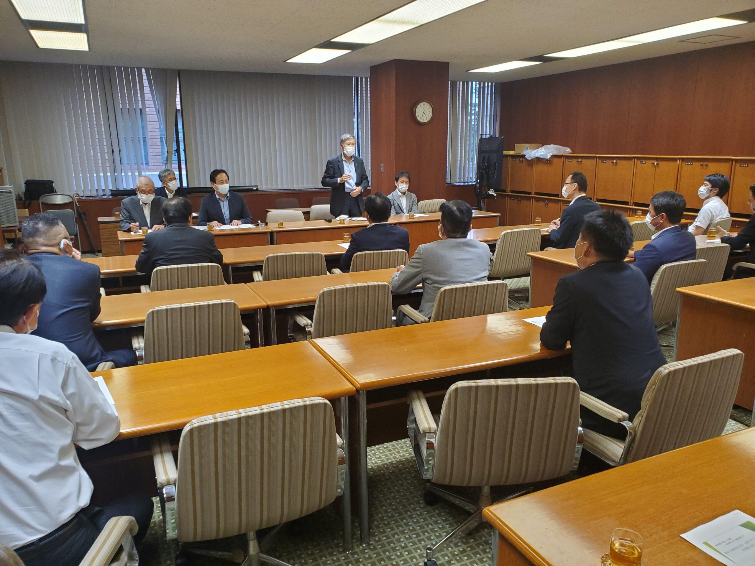 愛知県私学協会の皆様との意見交換会に参加しています。